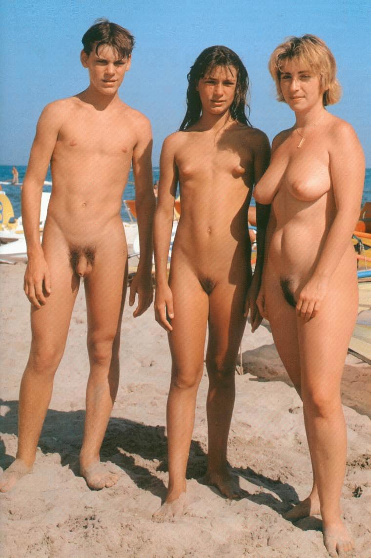 Фото голих подростков 12 фотография